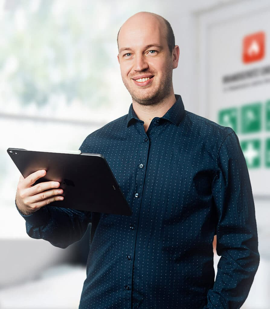 Michael Crombach - Geschäftsführer - Zertifizierter Sachverständiger für den vorbeugenden Brandschutz nach DIN EN ISO/IEC 17024 Sicherheitsgrafiker u. Sachkundiger vorbeugender Brandschutz Brandschutzbeauftragter